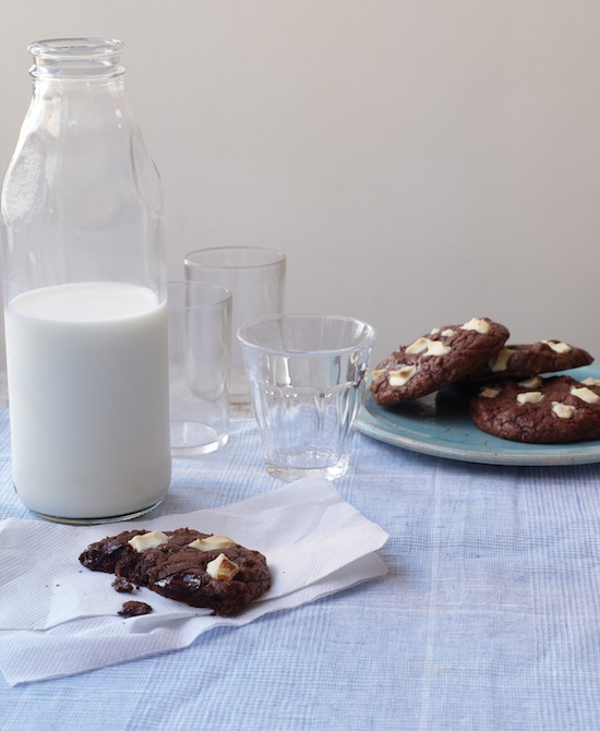 Bon Appetit Dessert Cookbook - Dark And White Cookies recipe