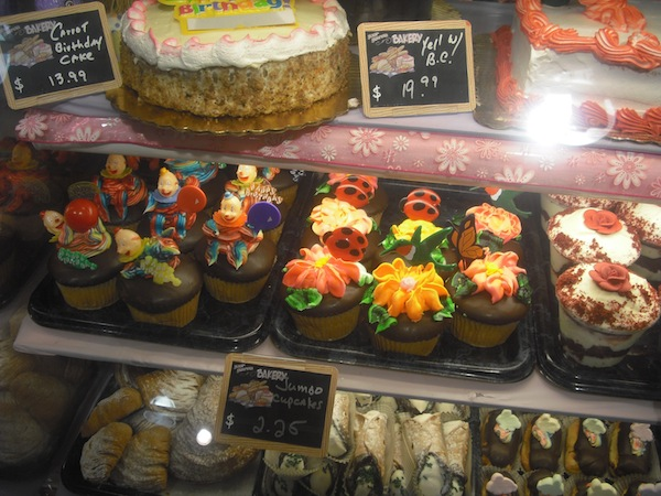 Wordless Wednesday Completely Cute Cupcakes From Val S Kitchen