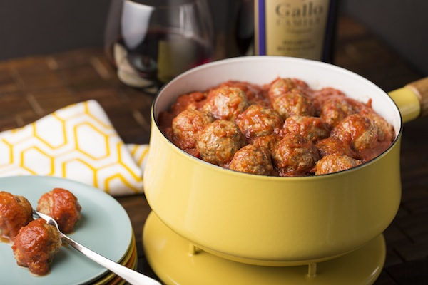 Gallo Family Vineyards Hearty Burgundy Food Pairing Recipes - Saucy Parmesan Meatballs