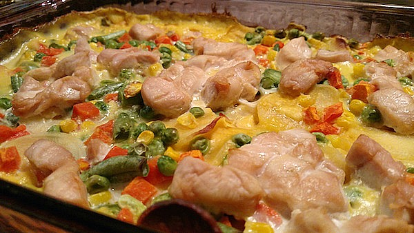 Easy Scalloped Potato Casserole With Chicken Recipe - From Val's Kitchen