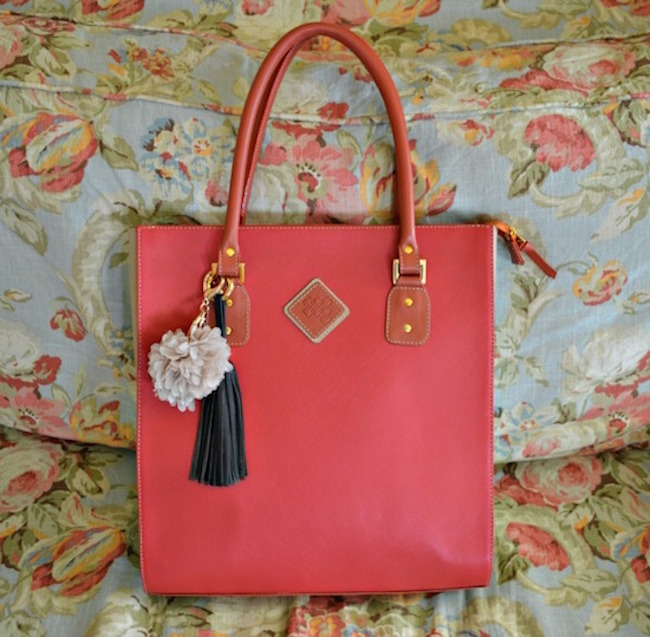 ClaudiaG Jewelry Party Consultants And Working It Handbag