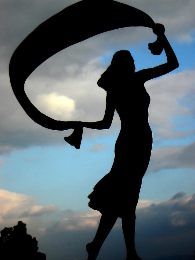 woman's statue
