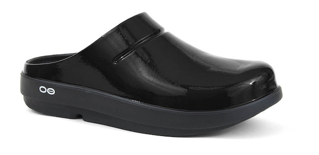 REVIEW - OOFOS Clogs Recovery Footwear
