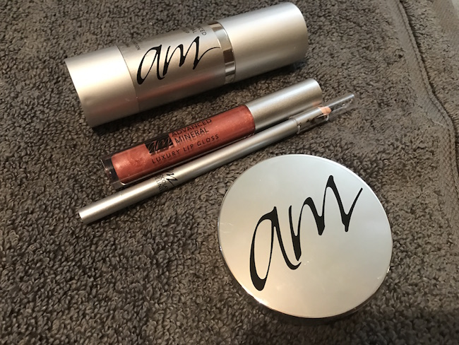 Advanced Mineral Makeup Review - Mom Knows It All