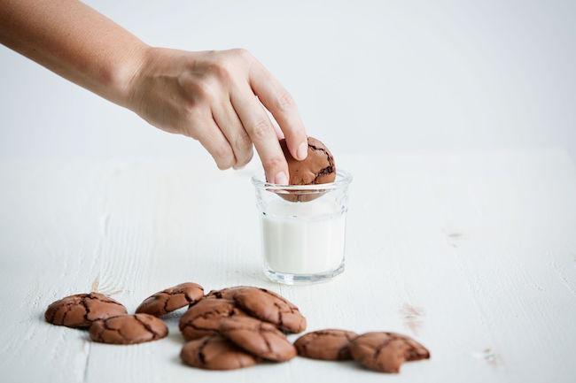 American Heritage Chocolate - Chocolate Crinkle Cookies recipe