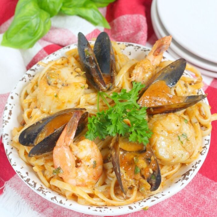 Instant Pot Seafood Pasta Recipe From Val's Kitchen